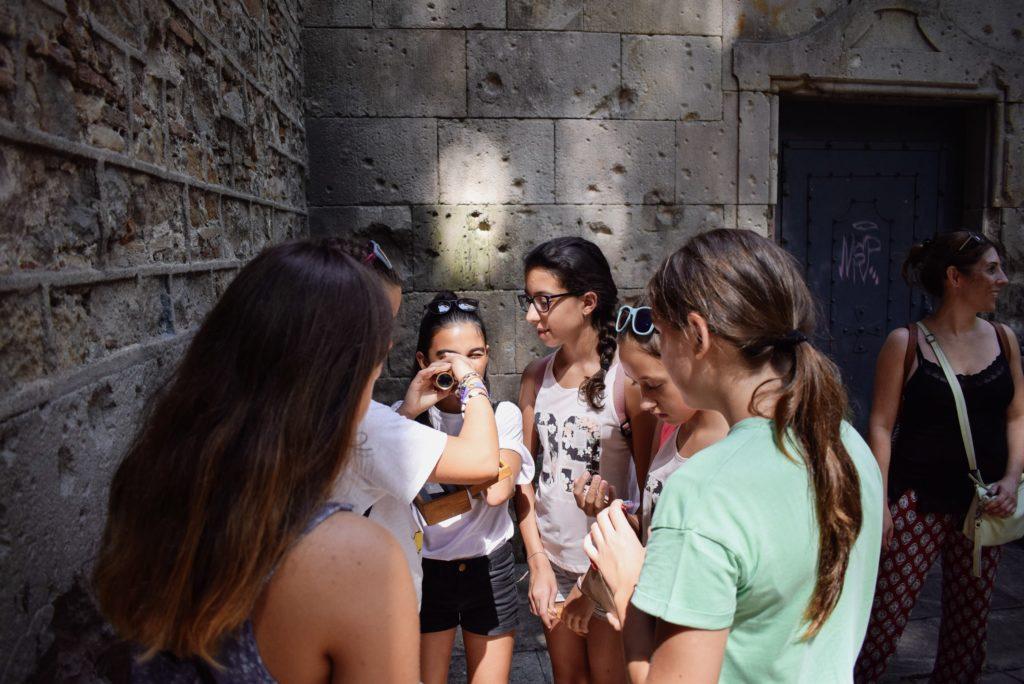 Xventura_children_in_Barcelona